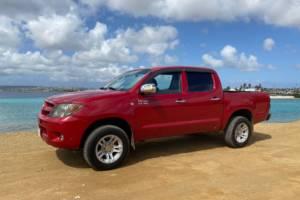 Tropical car rental Bonaire - Toyota Hilux rood te huur