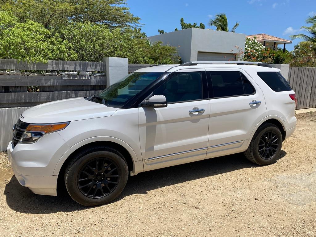 Tropical car rental Bonaire - Ford Explorer turbo te huur